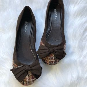 Soda Flats Brown Tweed Bow Detail Size 10